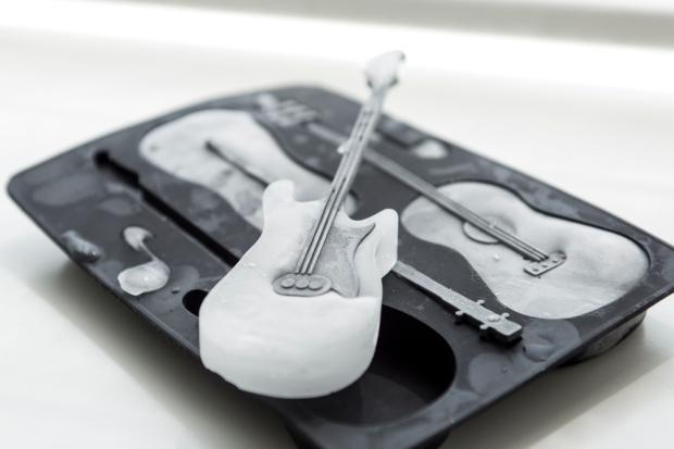 HEMA_ijsblokvorm_gitaar