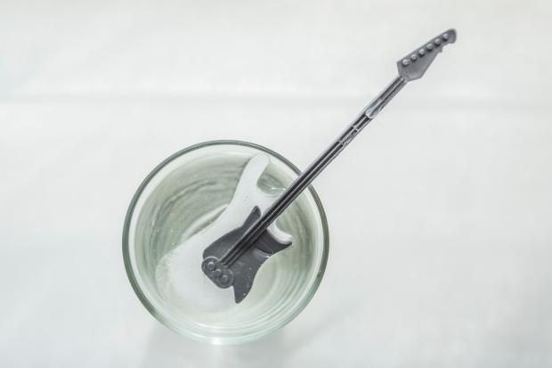 HEMA_ijsblokvorm_gitaar_5